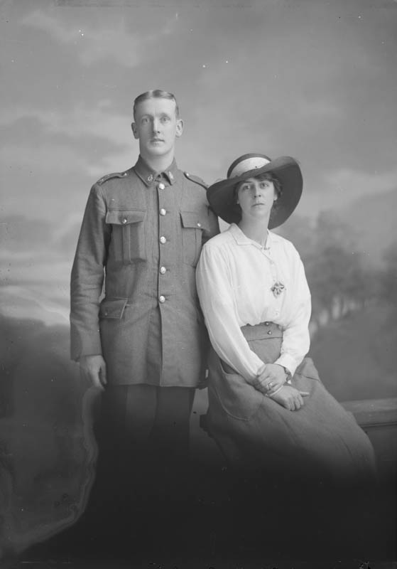 Unknown WW1 Soldier and wife
